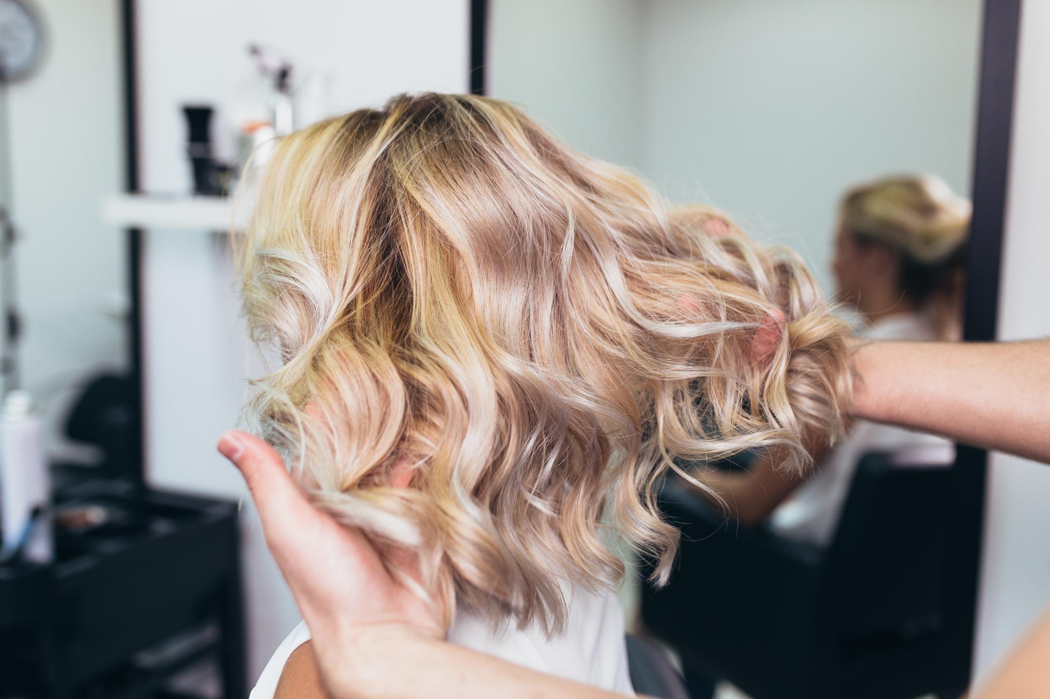 Tout Savoir Sur Le Balayage Des Cheveux Doctissimo