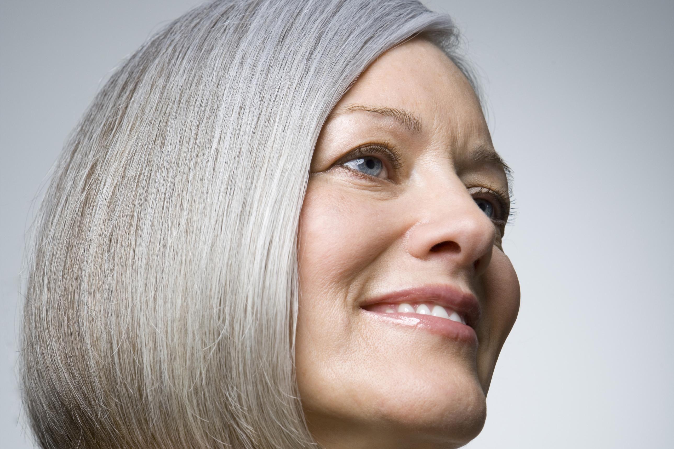 Couleur cheveux blancs brune