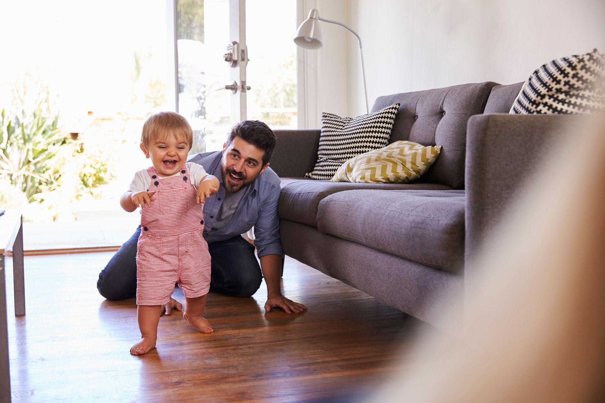 b b a 12 mois b b de 1 an premiers pas veil. Black Bedroom Furniture Sets. Home Design Ideas