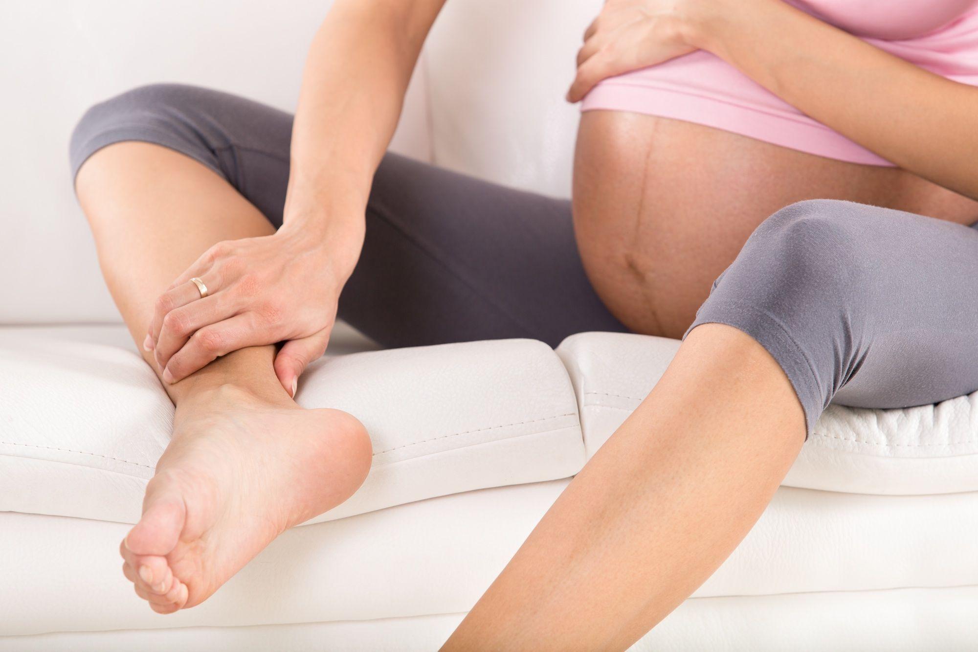 Douleurs aux pieds pendant la grossesse