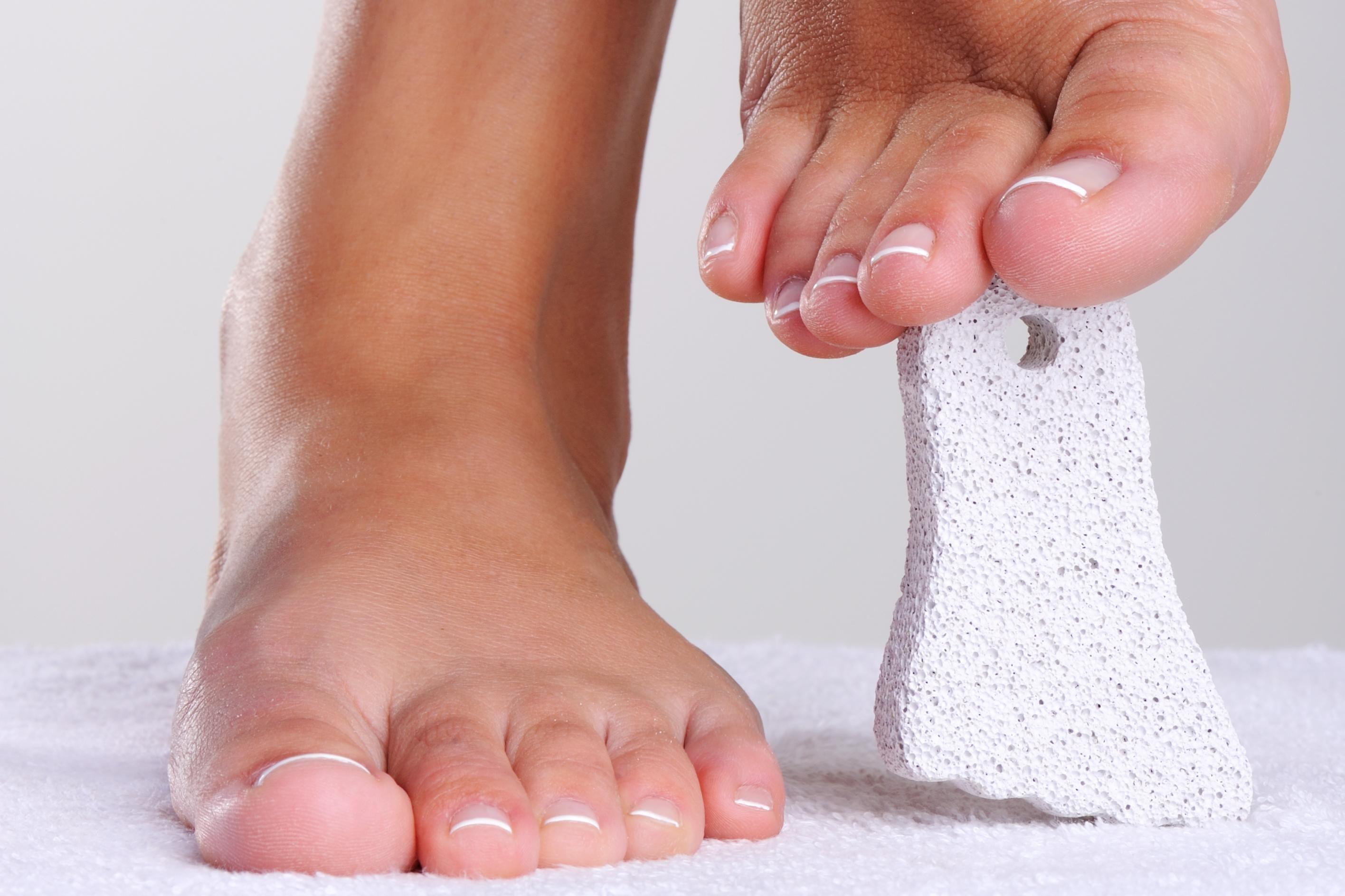 comment nettoyer les talons de pieds