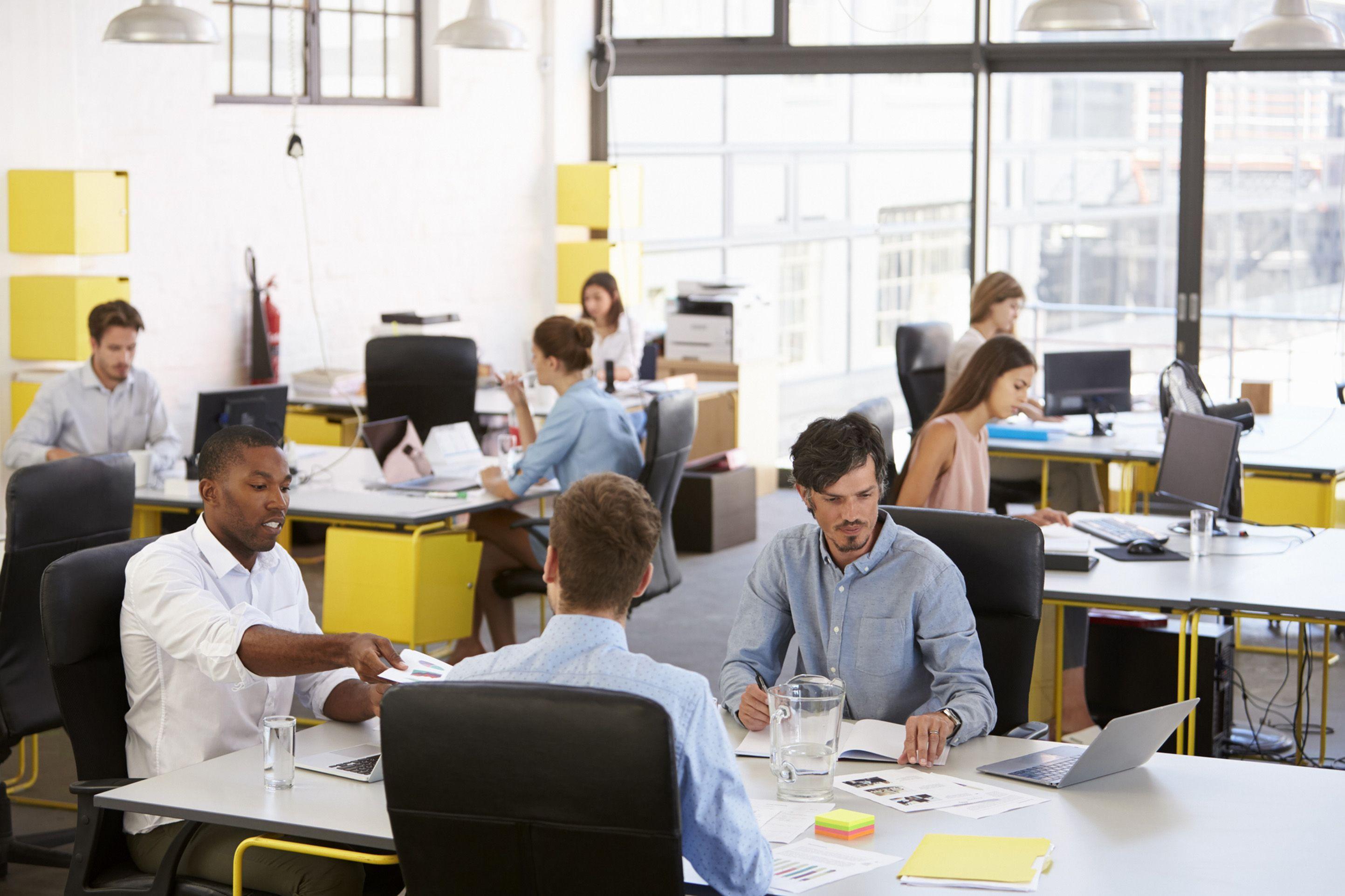 Des scientifiques ont posé des capteurs dans des bureaux en open space pour évaluer la pollution de l'air intérieur