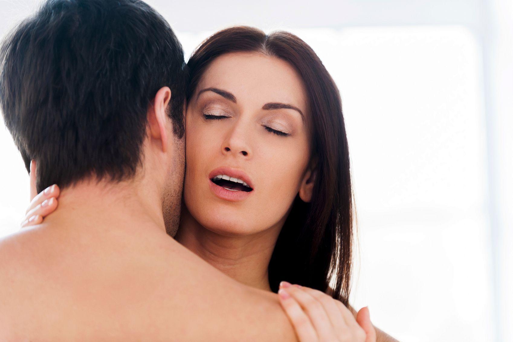 как довести девушку до оргазма орально