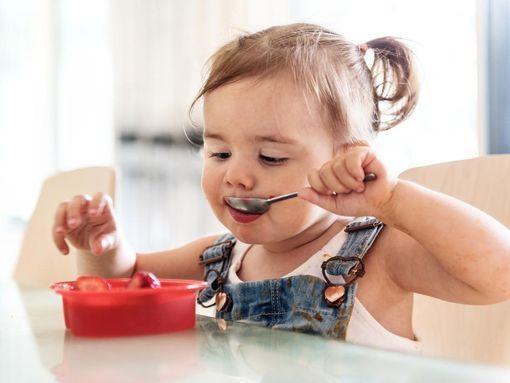 01e7247510091 Les étapes de l'alimentation de bébé de 1 à 3 ans - Doctissimo