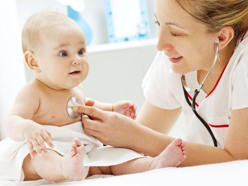 À quoi sert la kiné respiratoire pour bébé ? Est-elle efficace en cas de bronchiolite ?