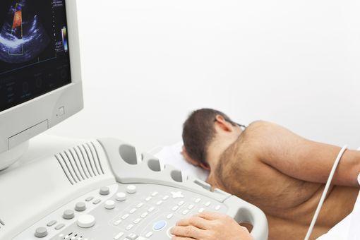 echographie-cardiaque-echocardiographie-wd