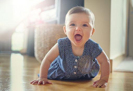 bébé a 8 mois