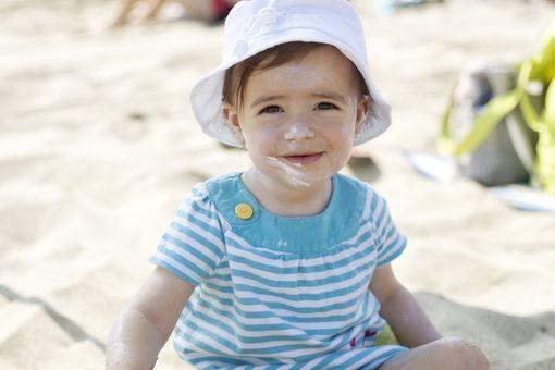 53d90fbc169a9 Soins de bébé - Protéger bébé du soleil - Doctissimo