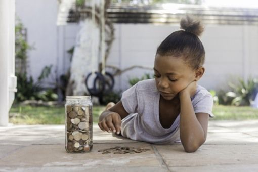 Faut-il donner de l'argent de poche à son enfant ?