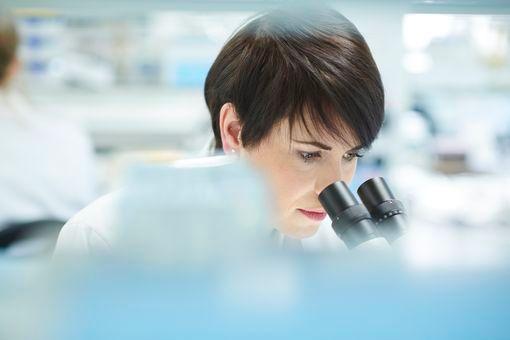 Injection intracytoplasmique d'un spermatozoïde morphologiquement sélectionné