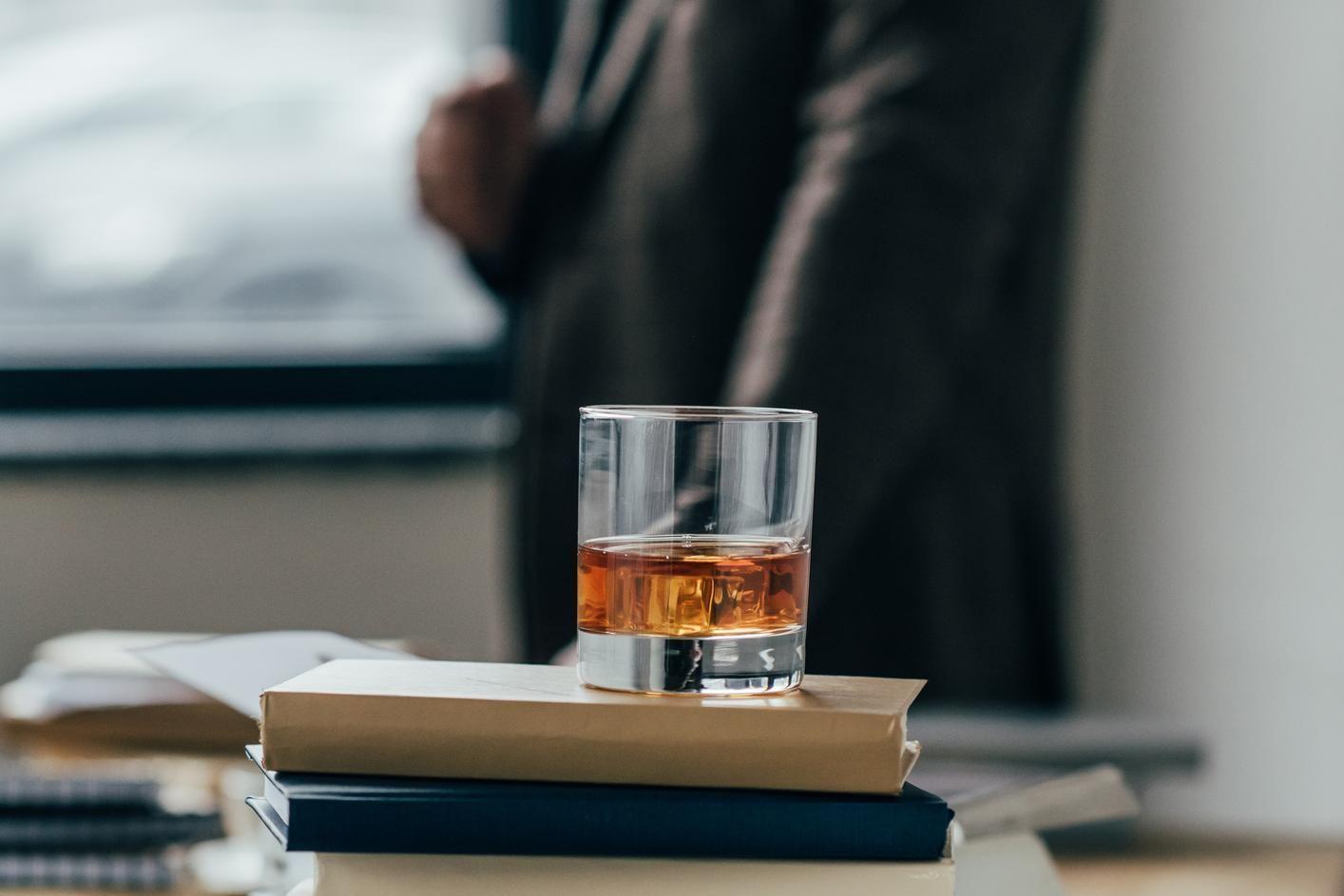 L'alcool au travail : que prévoit la loi ?