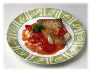 Steaks de thon à la purée d'ail et aux tomates