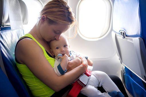 Voyage en avion avec bébé