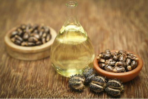 Huile de ricin : bienfaits de l'huile de ricin pour les ongles et les  cheveux - Doctissimo