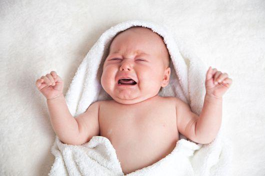 Pleurs de bébé : apprendre à les reconnaître et comment les calmer