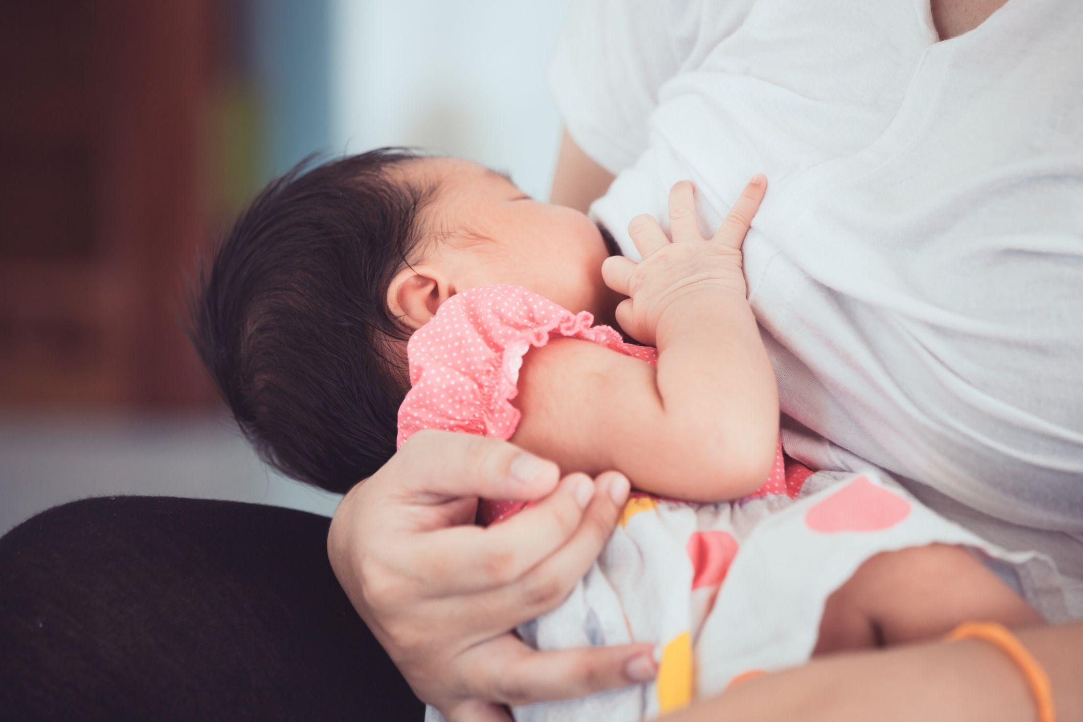 allaiter-bebe-adopte-wd