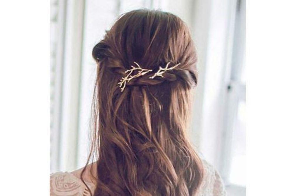 Barrette cheveux : 15 coiffures bien attachées