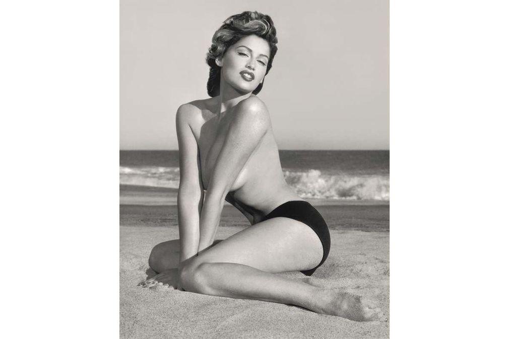 Calendrier Pirelli : ses 50 ans en 50 photos sexy