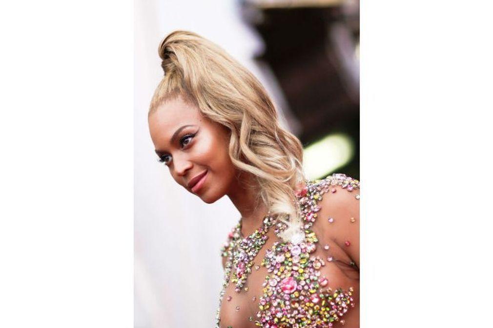 Coiffure de stars : les plus belles coiffures repérées sur le red carpet