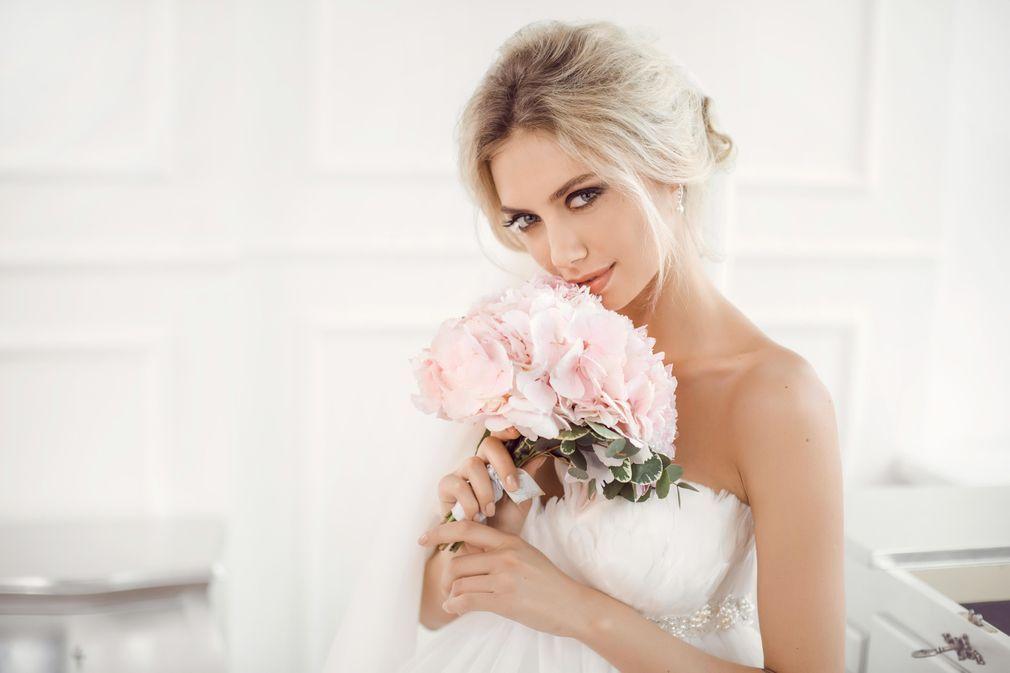 Coiffures de mariage pour court et