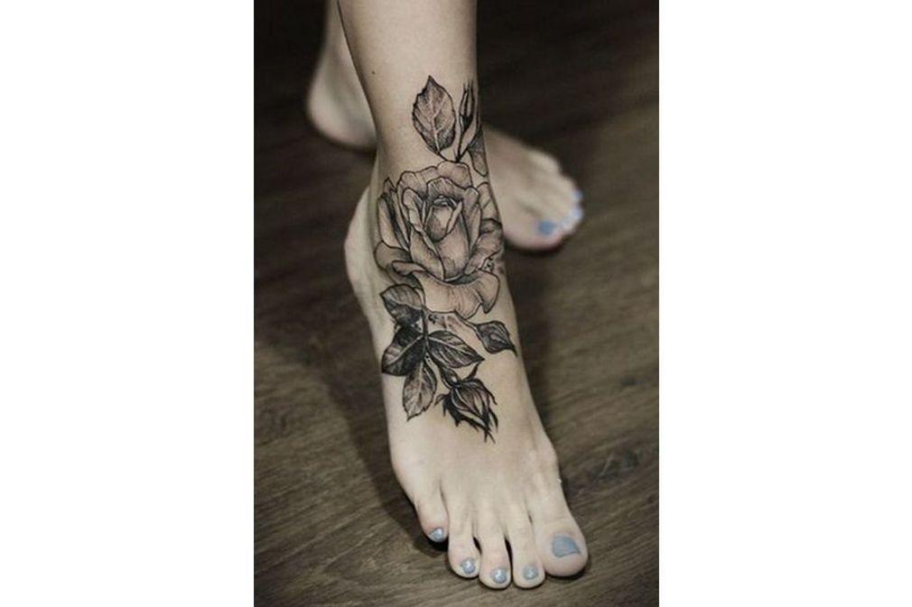 tatouage cheville 50 mod les pour magnifier vos jambes doctissimo. Black Bedroom Furniture Sets. Home Design Ideas