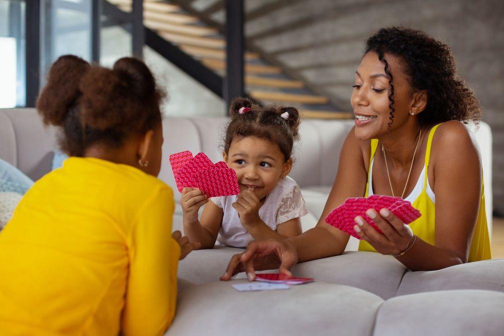 10 jeux traditionnels à faire en famille qui ne nécessitent presque aucun matériel