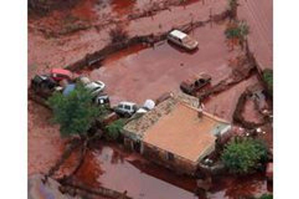 Ecoulements de boue toxique : Catastrophe écologique en Hongrie