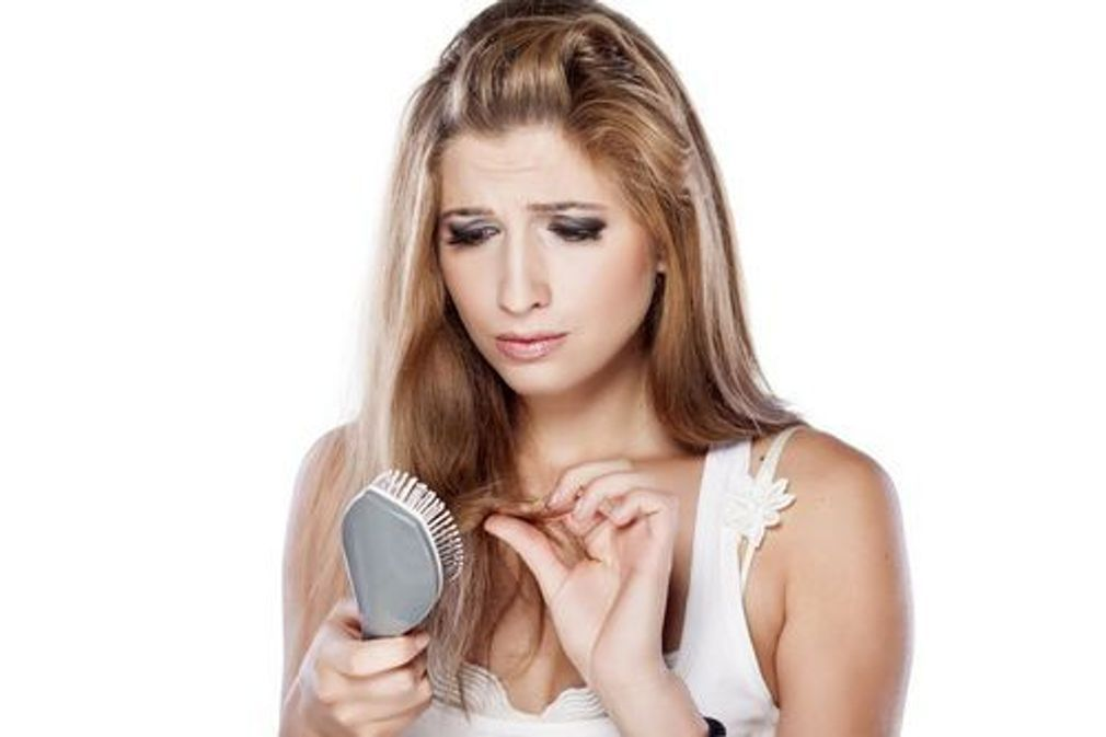 10 remèdes naturels contre la chute des cheveux