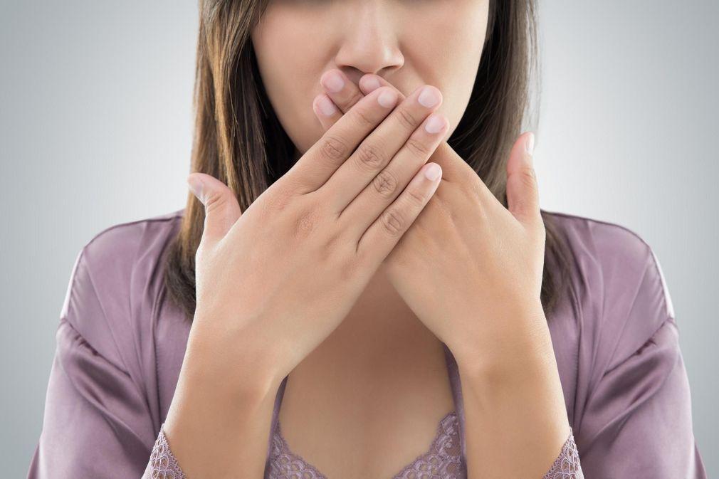 10 remèdes naturels contre la mauvaise haleine