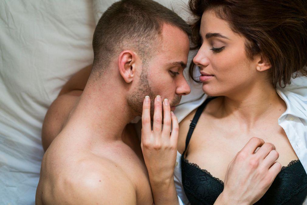 Les 10 caresses que les femmes préfèrent