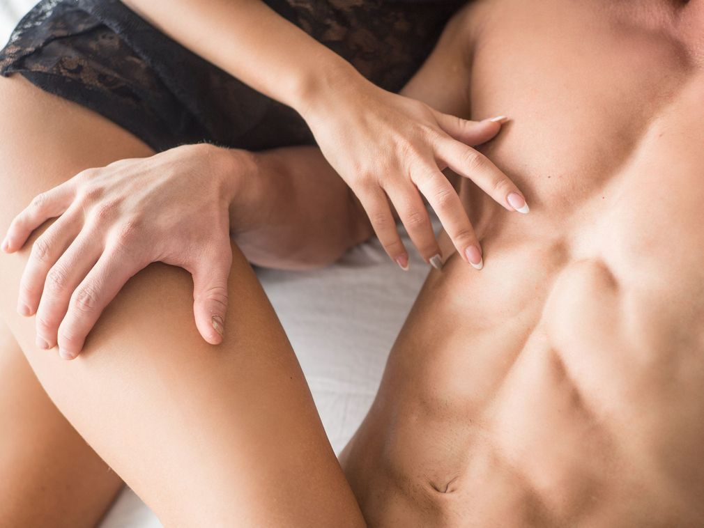 Les 10 caresses que les hommes préfèrent