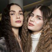 Crimped Hair : les cheveux gaufrés font leur grand retour