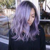 Il y a du lilas dans l'hair
