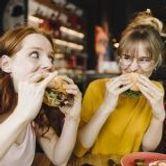 Pourquoi aimons-nous manger gras et sucré ?
