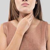 10 solutions naturelles contre le mal de gorge
