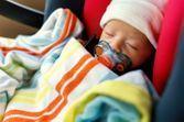 Attention ! Faire dormir votre bébé dans un siège auto peut être dangereux
