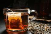 Boire du thé très chaud augmente les risques de cancer de l'œsophage