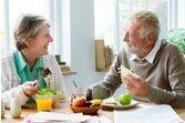 Dîner tardif et pas de petit-déjeuner : la combinaison dangereuse pour votre coeur