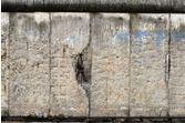 Un laboratoire britannique vend des pilules homéopathiques… à l'extrait de mur de Berlin
