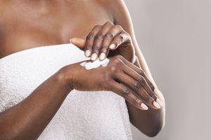 Blanchissement de la peau : une récente étude met en garde quant à la dangerosité des produits