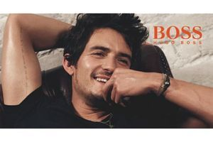 BOSS Orange Man, le nouveau parfum masculin incarné par Orlando Bloom