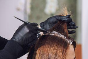 Coloration pour cheveux : l'Anses alerte sur des substances allergisantes