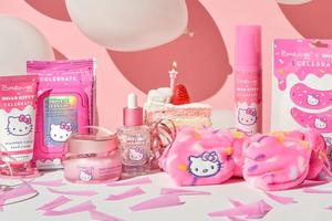 Hello Kitty fête ses 45 ans en lançant une série de soins visage