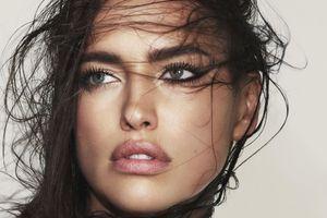 Irina Shayk est le nouveau visage de la campagne Marc Jacobs Beauty