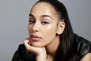Jorja Smith est la nouvelle ambassadrice make-up pour Dior
