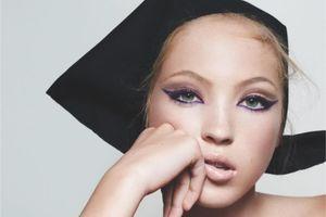 La fille de Kate Moss pose pour Marc Jacobs Beauty