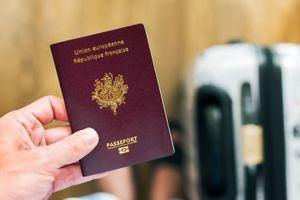 En Europe, un Français peut voyager avec un passeport périmé