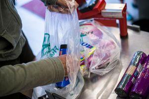 Le Japon va rendre les sacs plastiques payants avant les JO de Tokyo 2020