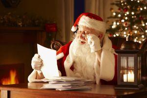 Le Père Noël de la Poste attend ses lettres