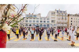 Bon plan : un cours de Yoga gratuit pour se mobiliser contre le cancer du sein